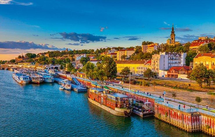 Avrupa'da sınırları açık olan nadir ülkelerden Sırbistan'ın başkenti Belgrad, yurtdışı seyahati özlemi çekenler için birebir. Tarihi bir şehir olan Belgrad'da görülecek çok yer ve yapılacak çok şey var.