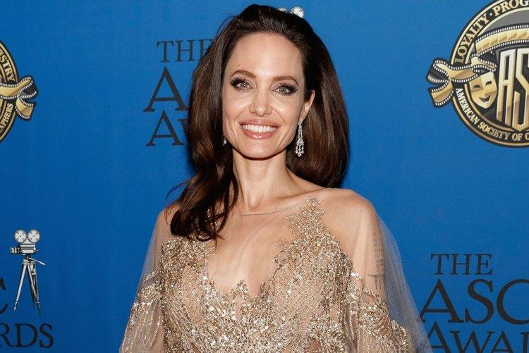 Angelina Jolie corona virüsüne karşı sessiz kalmadı!