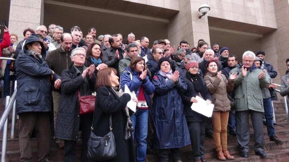 A local group in the western city of u0130zmir supporting Academics for Peace in a demonstration after signing the petition calling for an end to the attacks in the southeast of Turkey.
