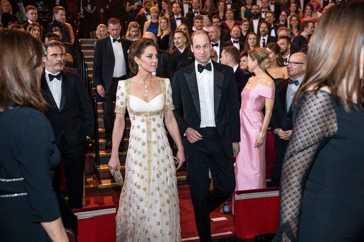 BRAD PİTT'DEN BAFTA'DA HARRY VE MEGHAN GÖNDERMESİ!