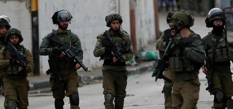 ISRAEL DETAINS 9 PALESTINIANS IN OVERNIGHT RAIDS