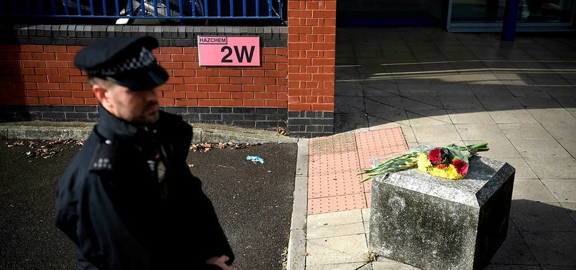 LONDON OFFICER SHOT DEAD WHILE DETAINING SUSPECT AT STATION