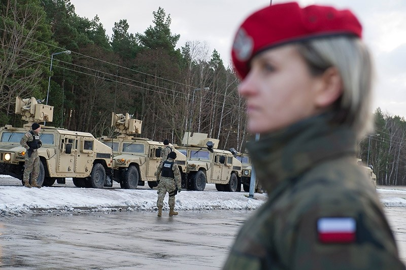 American soldiers are pictured during a welcome ceremony at the Polish-German border in Olszyna, Poland on Jan. 12, 2016. (AFP Photo)