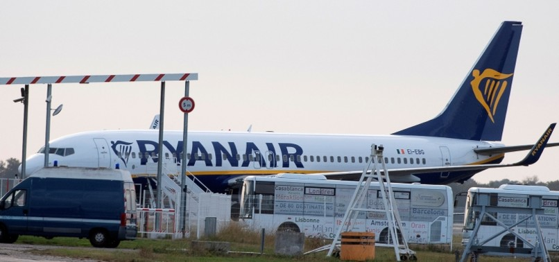 FRENCH GOVERNMENT SEIZES RYANAIR JET JUST BEFORE TAKEOFF