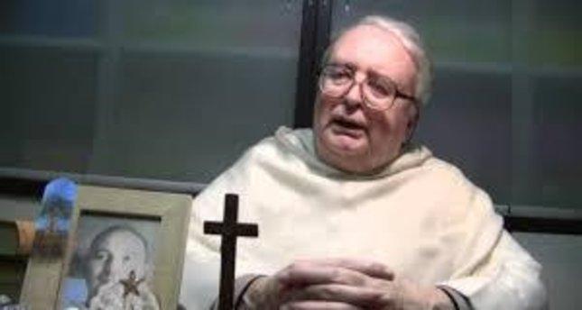 Depremi ilahi ceza olarak nitelendiren rahip