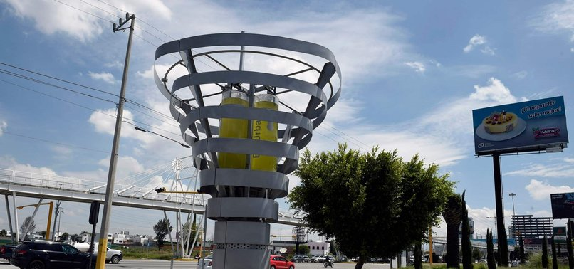 MEXICAN STARTUP FIGHTS AIR POLLUTION WITH ARTIFICIAL TREES