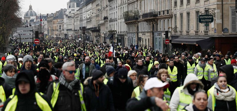 YELLOW VESTS BANNED IN BOURGES CENTER, HEART OF FRANCE
