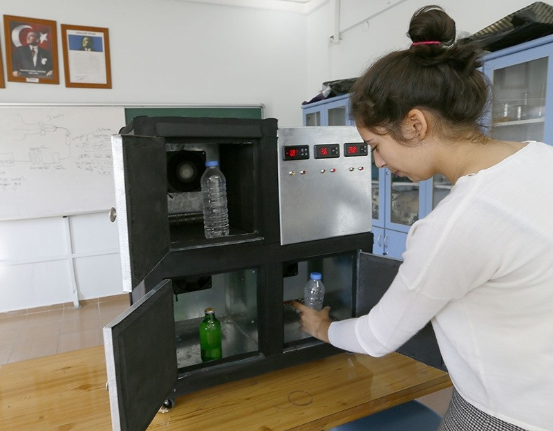 High school student Elifnaz u015eentu00fcrk developed a device keeping temperature at constant level. Nov. 06, 2016. (AA Photo)