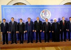 13. Ekonomik İşbirliği Teşkilatı Liderler Zirvesi başladı