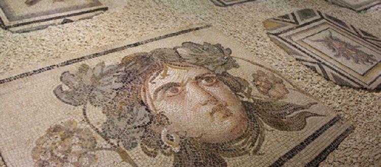 Çingene Kızı mozaiği getirilen parçalarıyla ziyarete açıldı