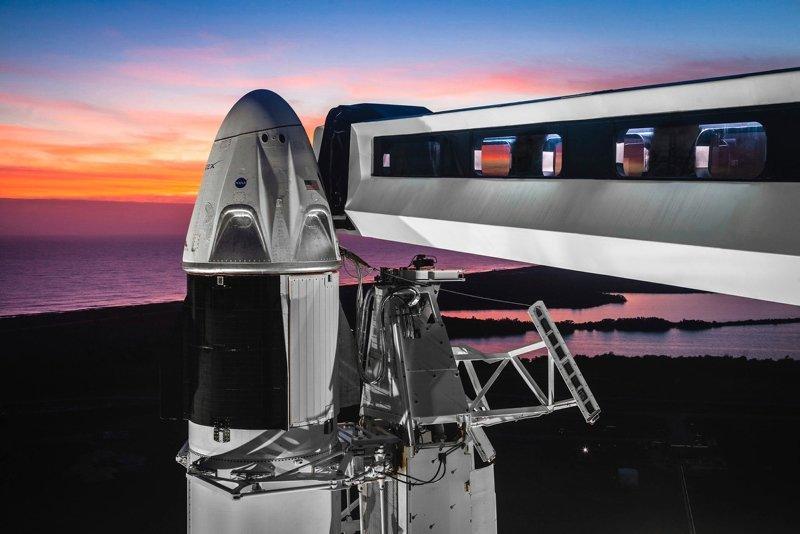 NASA VE SPACEX UZAY YOLCULUĞU İÇİN BİR ARADA