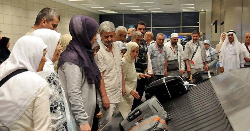 İlk hac kafilesi Türkiye'ye döndü