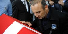 Leonidis bids farewell to his rival Süleymanoğlu at funeral
