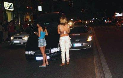 Dikkatsiz kadın sürücüler