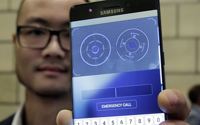 In this July 28, 2016, photo, Jonathan Wong of Samsung's Knox Product Marketing, shows the iris scanner feature of the Galaxy Note 7, in New York (AP Photo)