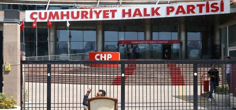 CHP LEADER TRIES TO FEND OFF OPPOSITION DEMANDS THROUGH CHANGES IN ADMINISTRATION