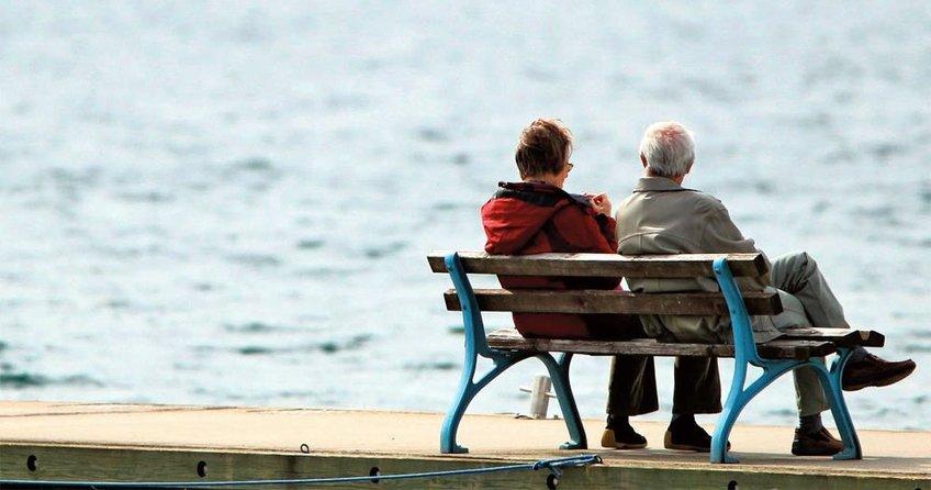 Göçmen alınmazsa emeklilik yaşı 70 olur