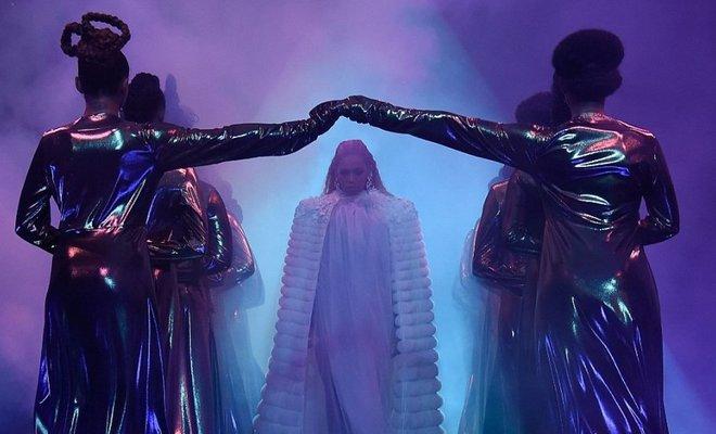 Gecenin kazananı Beyonce!