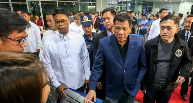 Philippine President Rodrigo Duterte said on October 22 he would not sever his nation's alliance with the United States, as he clarified his announcement that he planned to separate. (AFP Photo)