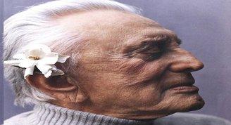 Hollywood efsanesi Kirk Douglas hayatını kaybetti