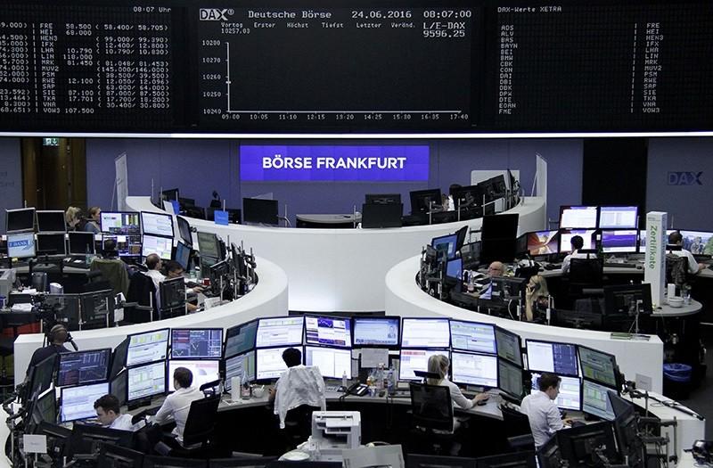 Germany's DAX, Britain's FTSE 100 plummet after Brexit decision. (Reuters Photo)