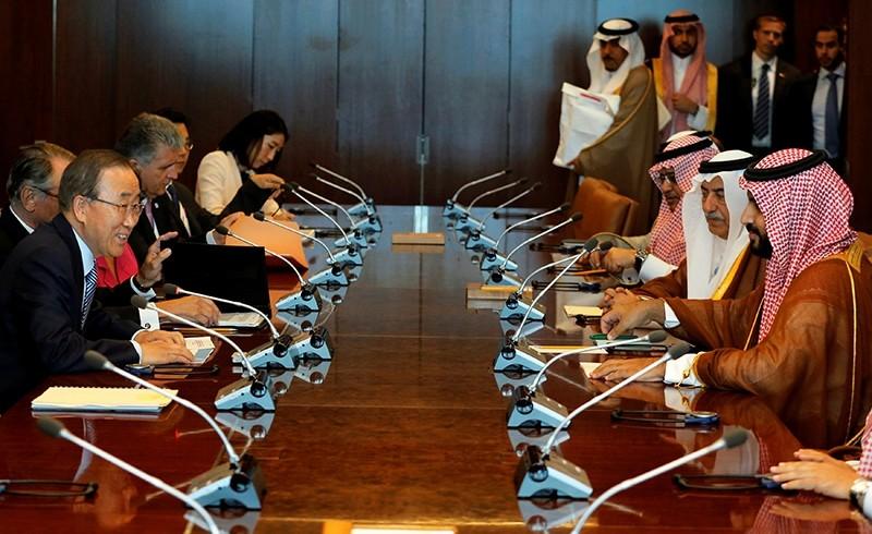 Saudi Arabia's deputy crown prince, Mohammed bin Salman (R) sits down with U.N. Secretary-General Ban Ki-moon (L) at the U.N. headquarters in New York (Reuters Photo)