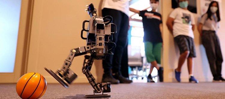 Cumhurbaşkanlığı Millet Kütüphanesi'nde 'İnsansı Robot' eğitimleri veriliyor