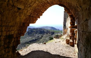 Ancient city Anavarza: A remarkable settlement with ruins and legends
