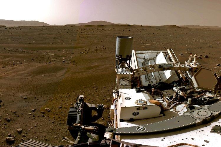 NASA, MARS'A İNİŞ GÖRÜNTÜLERİNİ PAYLAŞTI