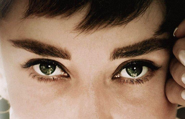 Audrey Hepburn, McQueen'in arkasındaki BAFTA adayı ekibin elinden çıkacak yeni bir belgesele konu oluyor.
