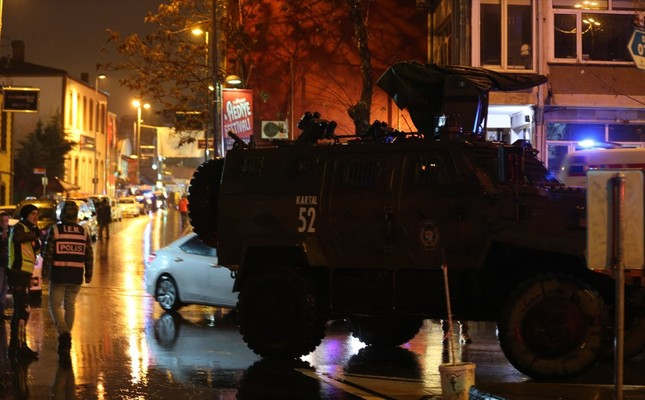 Terror attack on Istanbul nightclub leaves 35 dead