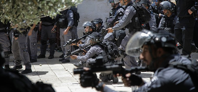 ISRAEL ARRESTS 17 PALESTINIANS IN WEST BANK RAIDS