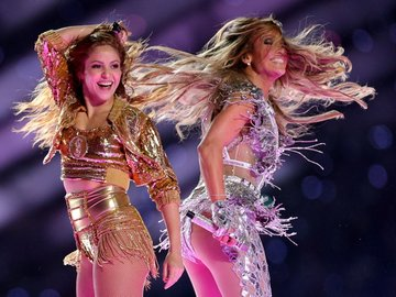 Shakira ve Jennifer Lopez'in Super Bowl 2020 performansı!