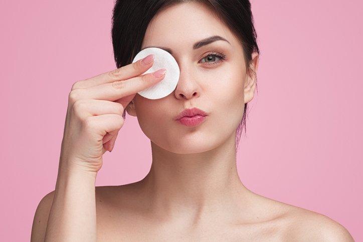 Makyaj temizlemenin 10 önemli faydası