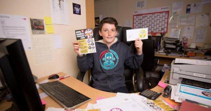 14 yaşındaki Harvey alnının teriyle milyoner