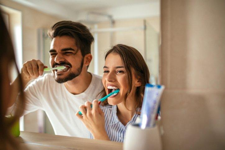 Evde diş ağrısını geçirmek için öneriler