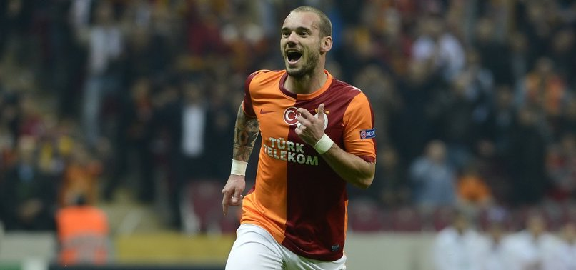 DUTCH HERO WESLEY SNEIJDER ANNOUNCES RETIREMENT FROM FOOTBALL