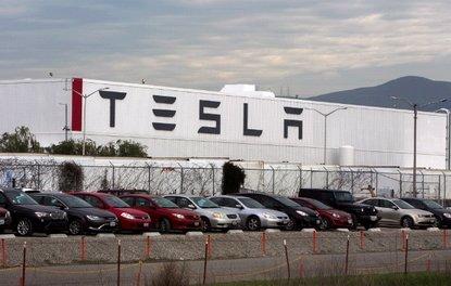 Tesla Çinde fabrika açmayı planlıyor