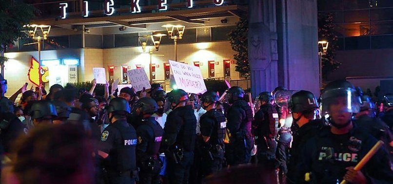 US: 7 SHOT IN KENTUCKY PROTESTS FOR BLACK CIVIL RIGHTS