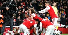 Arsenal roar back into Champions League contention