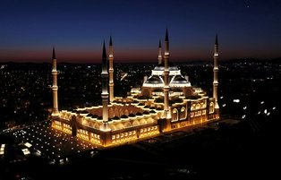 Turkey's largest mosque opens on Istanbul's Asian side