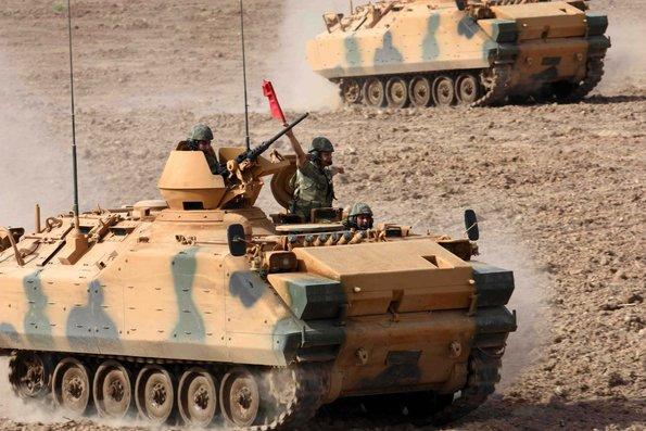 Sınırda bugün... Tanklar tozu dumana kattı!