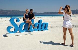 Hundreds of thousands of tourists visit Lake Salda dubbed as Turkish Maldives