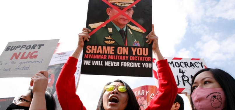 MYANMAR REBELS SAY THEY DOWNED HELICOPTER, PRO-JUNTA OFFICIAL KILLED