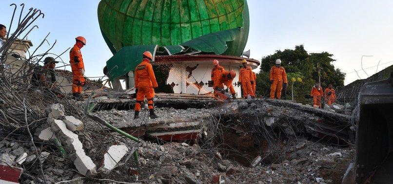 INDONESIAN EARTHQUAKE DEATH TOLL RISES TO 387