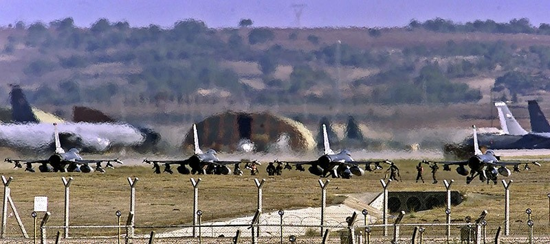 A file photo taken on January 10, 2001 shows US airforce F-16 warplanes lining to take off from the Incirlik Airbase. (AFP Photo)