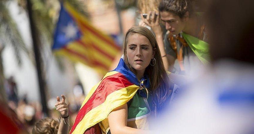 Katalonyanın bağımsızlık girişimi pahalıya patladı