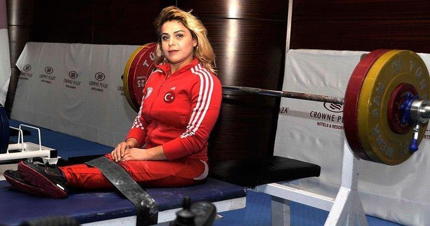 Milli halterci Nazmiye Muratlı dünya ikincisi oldu