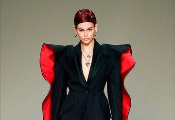 Alexander McQueen ve Balenciaga Artık Kürk Kullanmayacak