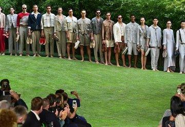 Giorgio Armani İlkbahar/Yaz 2022 Erkek Koleksiyonu Tanıtıldı
